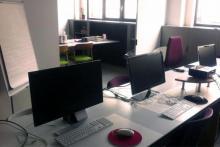"""Nos salles de formation multimédia """"mini groupes"""" équipées de matériel informatique récent ..."""