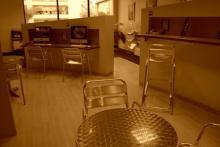 Un cyber café pour vos recherches personnelles